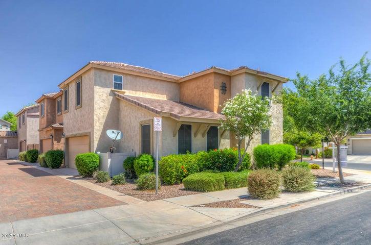 4372 E CARLA VISTA Drive, Gilbert, AZ 85295
