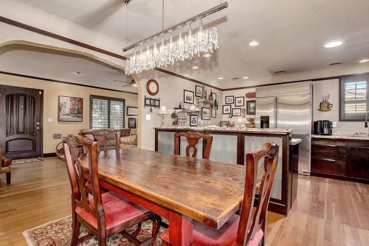 The open concept dinning room