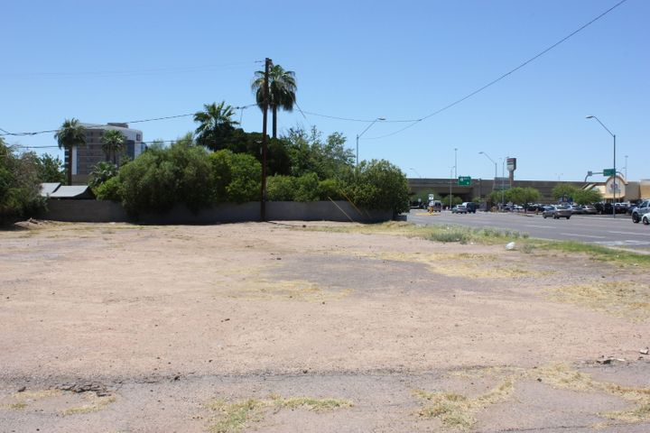 2121 E THOMAS Road, 8, Phoenix, AZ 85016