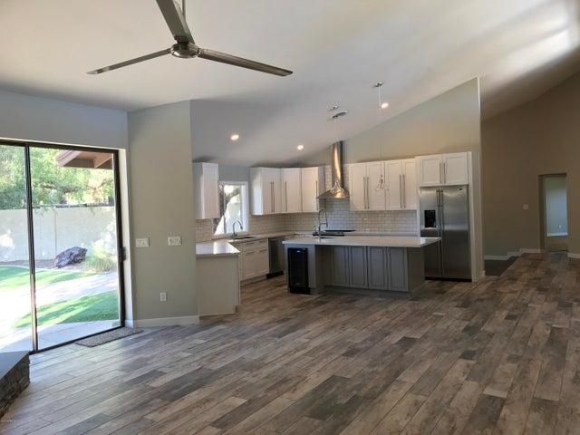 6102 N 77TH Place, Scottsdale, AZ 85250