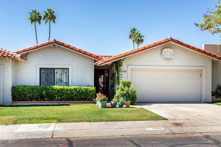 7631 E Medlock Drive, Scottsdale, AZ 85250