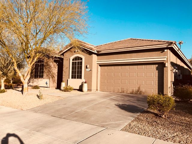 2434 W RED RANGE Way, Phoenix, AZ 85085