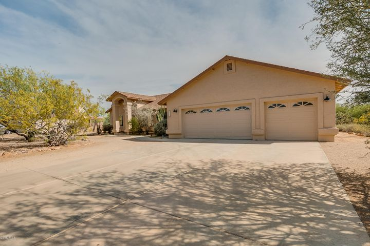 515 E Blue Eagle Lane, Phoenix, AZ 85086