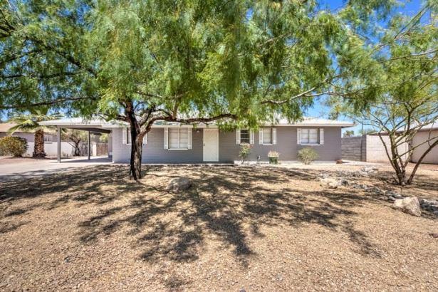 2316 W EARLL Drive, Phoenix, AZ 85015