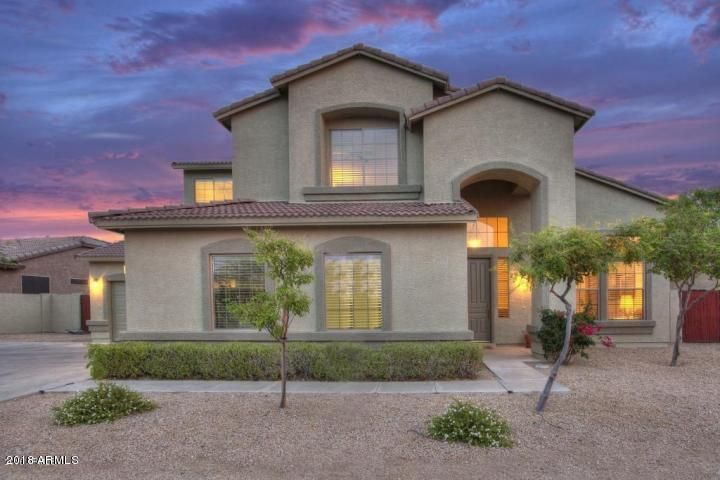 Great Curb Appeal with Beautiful Sunsets backdrops