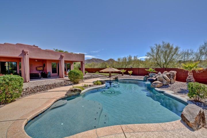 825 E SHAWNA Court, Phoenix, AZ 85086