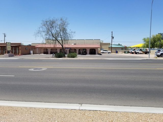 Located on busy Ironwood Dr at Broadway in Apache Junction, AZ.