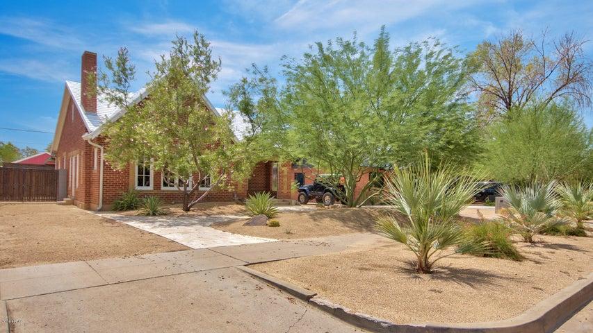 1305 W PORTLAND Street, Phoenix, AZ 85007