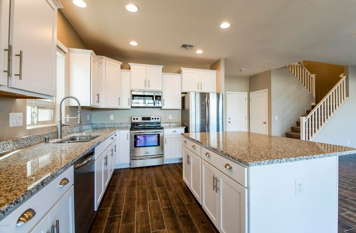 1727 N HILLCREST, Mesa, AZ 85201