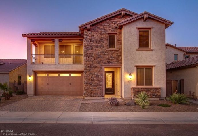 104 E PRESCOTT Drive, Chandler, AZ 85249
