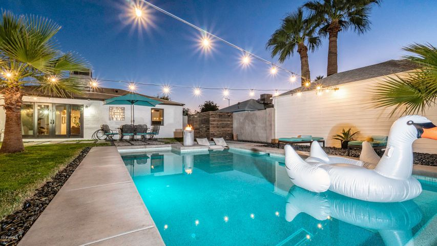 1226 E ALMERIA Road, Phoenix, AZ 85006