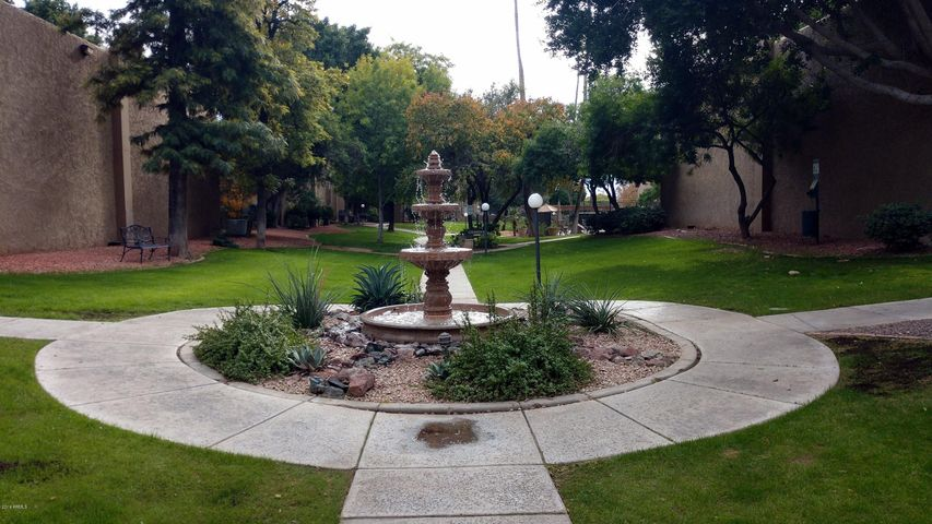 3825 E Camelback Road, 134, Phoenix, AZ 85018