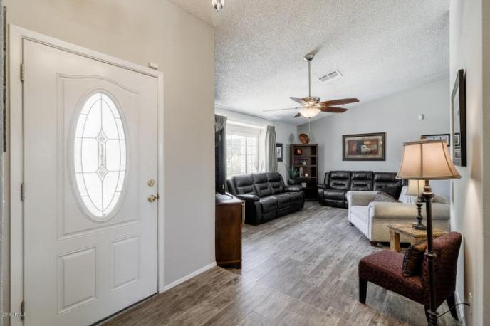 6120 W GROVERS Avenue, Glendale, AZ 85308