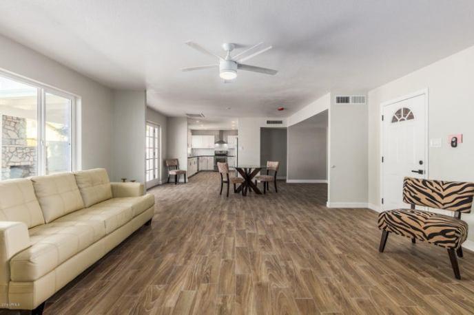 8528 E OAK Street, Scottsdale, AZ 85257
