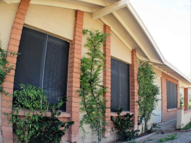 701 E HAMPTON Avenue, Mesa, AZ 85204