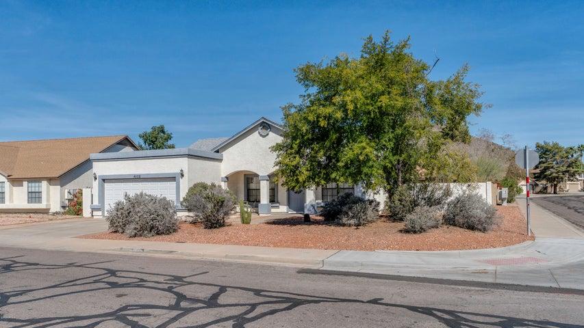 4502 W WAHALLA Lane, Glendale, AZ 85308