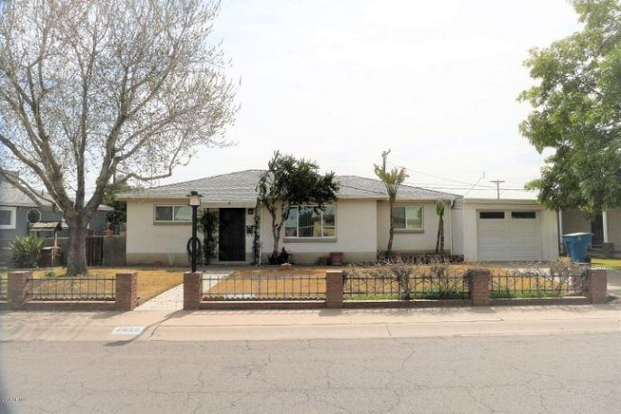 2859 W Diana Ave