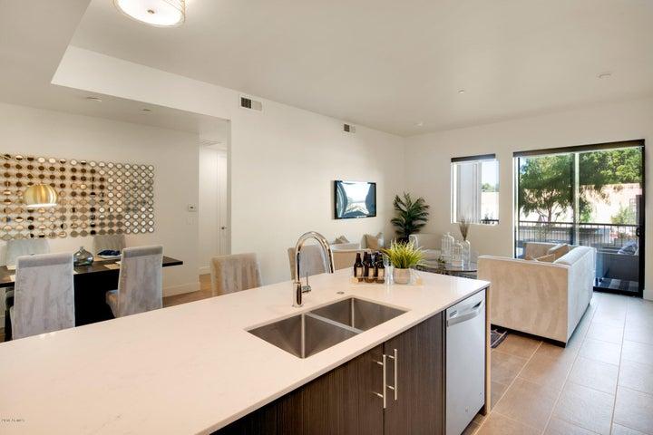 7300 E Earll Drive, 1001, Scottsdale, AZ 85251