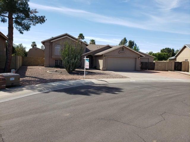 8911 W MISSION Lane, Peoria, AZ 85345