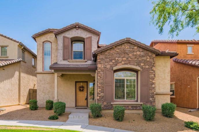 3935 E CAT BALUE Drive, Phoenix, AZ 85050