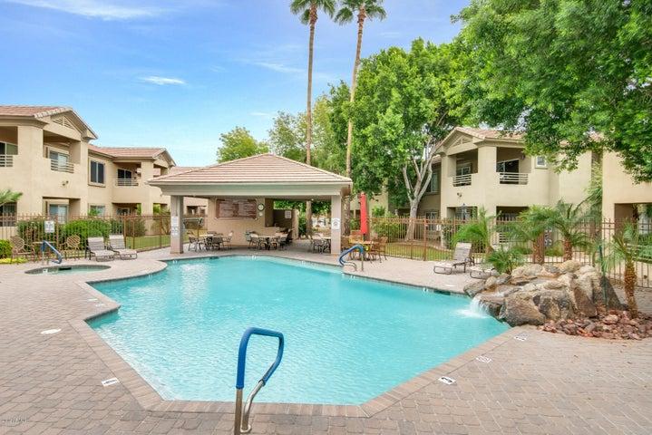 7401 W ARROWHEAD CLUBHOUSE Drive, 1014, Glendale, AZ 85308