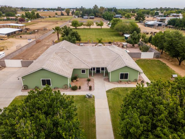 17740 W MARYLAND Avenue, Waddell, AZ 85355