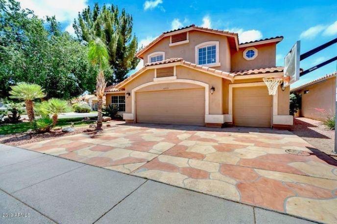 4573 E THISTLE LANDING Drive, Phoenix, AZ 85044