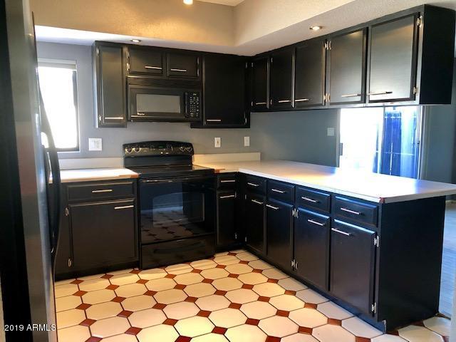 5850 W GROVERS Avenue, Glendale, AZ 85308