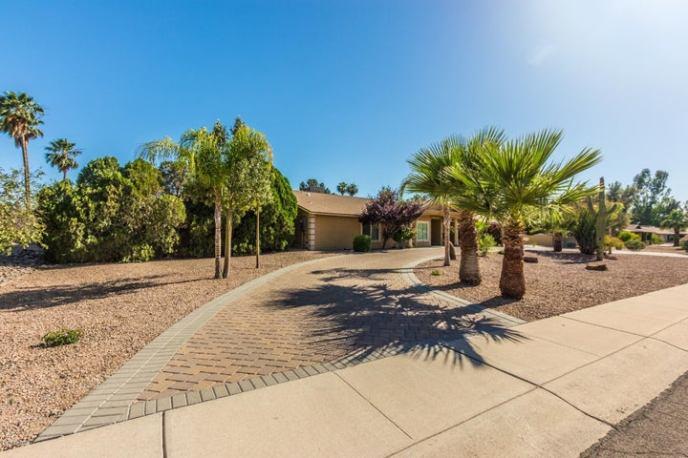 6313 W LARKSPUR Drive, Glendale, AZ 85304