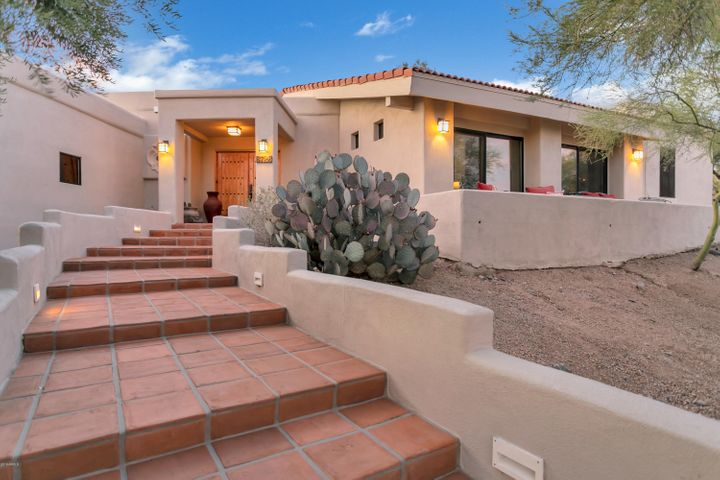 8728 E CAREFREE Drive, Carefree, AZ 85377