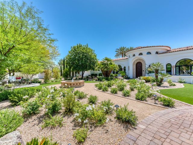 5511 E CARON Street, Paradise Valley, AZ 85253