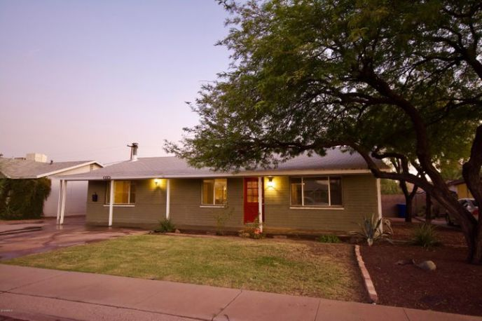 1041 W 18TH Street, Tempe, AZ 85281