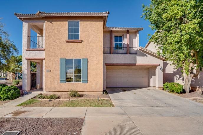 5232 W WARNER Street, Phoenix, AZ 85043