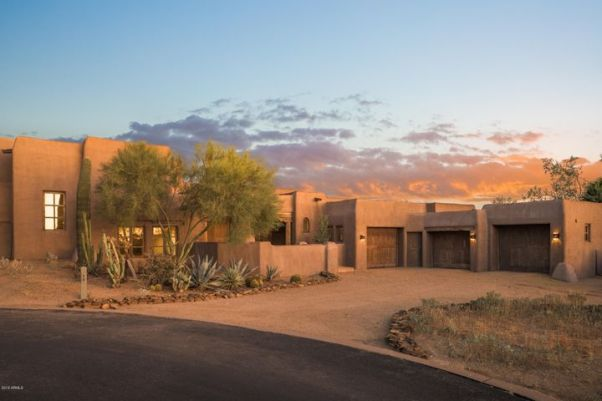 Cul-de-sac location with the front door over 100' from the road for privacy, near the recently renovated Desert Highlands clubhouse, pool, spa and gym.