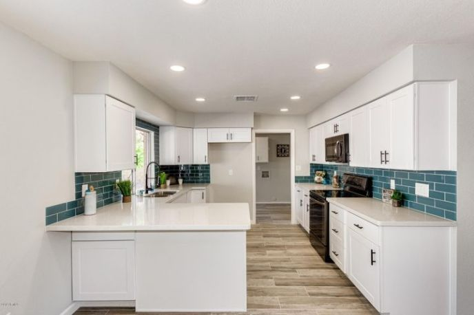 16209 N 9TH Place, Phoenix, AZ 85022
