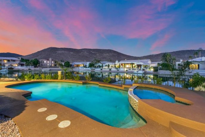 21659 N 58TH Avenue, Glendale, AZ 85308