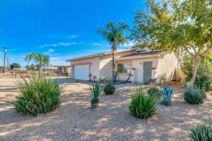 2051 W LAWRENCE Road, Phoenix, AZ 85015