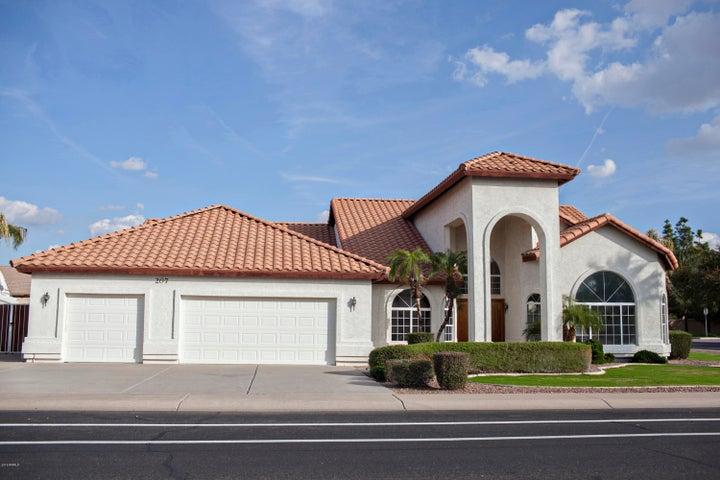 207 S GALAXY Drive, Chandler, AZ 85226