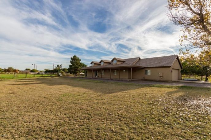 2925 E SUPERSTITION Drive, Gilbert, AZ 85297