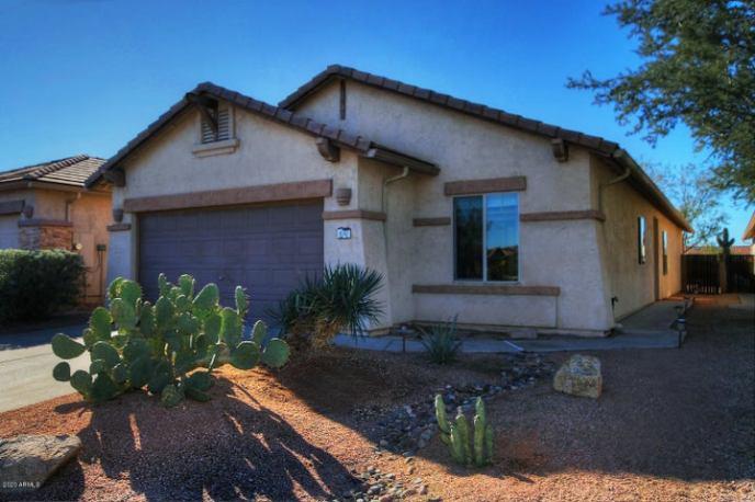 8242 S HIDDEN TRAIL Court, Gold Canyon, AZ 85118