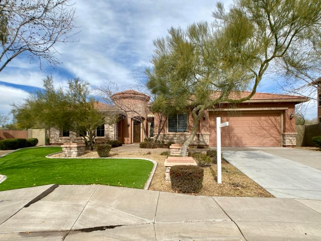 5024 W YOOSOONI Drive, New River, AZ 85087