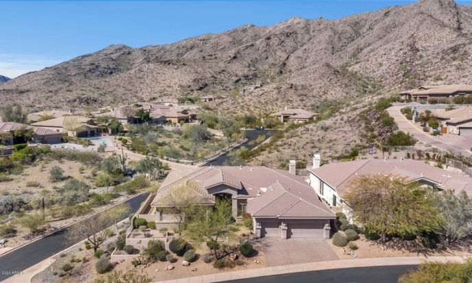 410 E DESERT WIND Drive, Phoenix, AZ 85048