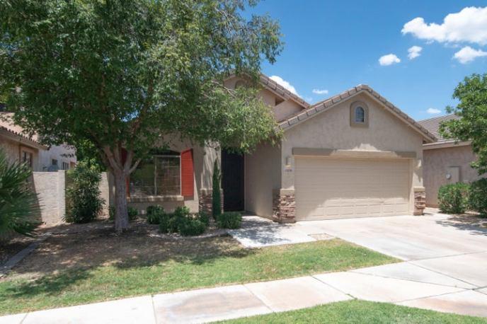 2426 E DARREL Road, Phoenix, AZ 85042
