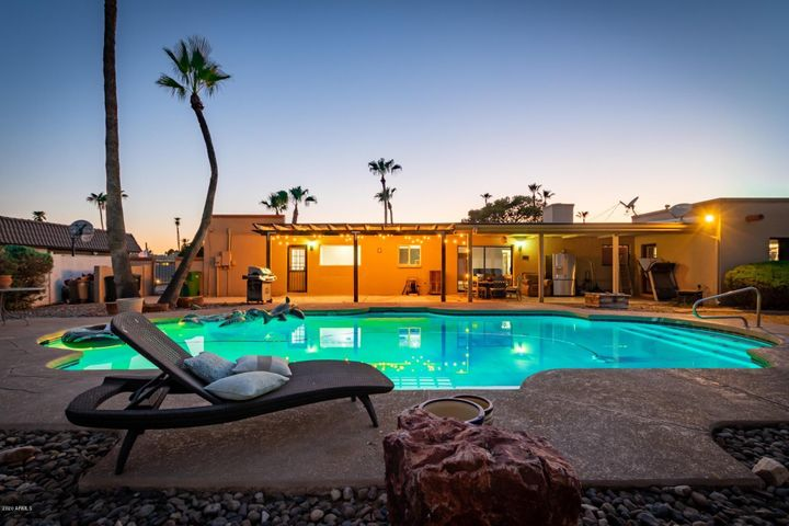 988 Castillo Drive E, Litchfield Park, AZ 85340
