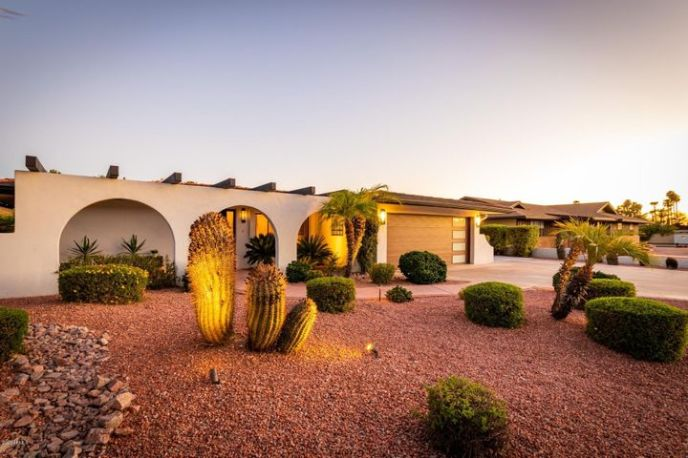 2213 E FOX Street, Mesa, AZ 85213