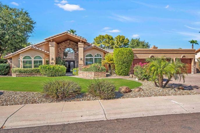 9730 E CARON Street, Scottsdale, AZ 85258