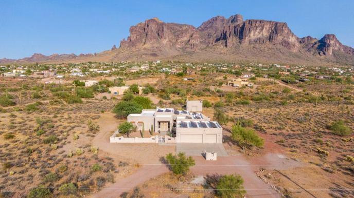 3377 N NODAK Road, Apache Junction, AZ 85119