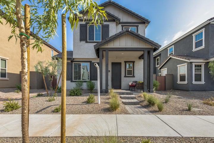 2039 W DESERT HOLLOW Drive, Phoenix, AZ 85085