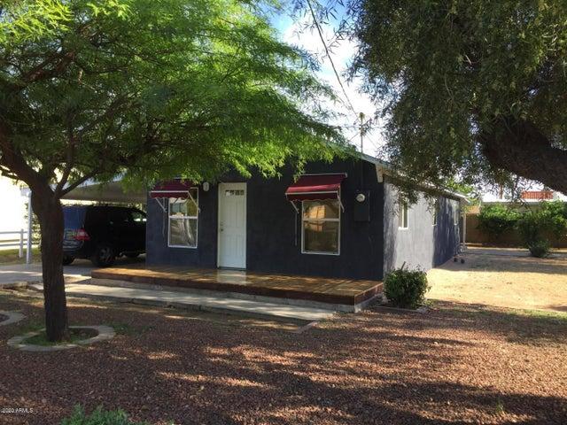 3819 E EARLL Drive, Phoenix, AZ 85018
