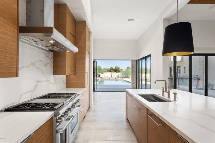 7012 E MCDONALD Drive, Paradise Valley, AZ 85253